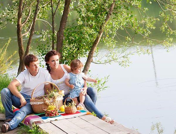 square-family-picnic